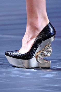 """Roberto Cavalli My Board so I cant get thrown off, I hope. If your a Foot or Shoe Model, should u not have """"Pretty Feet"""" ? Just a question ! NOT judging!!! But, REALLY !!!!"""