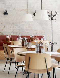 Søborg Chair designed by Børge Mogensen Bistro Interior, Estilo Interior, Interior Styling, Restaurant Design, Restaurant Bar, Chair Design, Furniture Design, Dinner Room, Hospitality Design