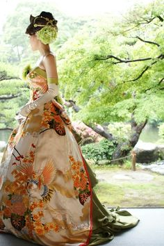 bCd - A rather beautiful Japanese Silk dress in a rather beautiful setting Kimono Fabric, Kimono Dress, Dress Up, Silk Dress, Kimono Fashion, Fashion Dresses, Geisha, Wedding Kimono, Japanese Wedding