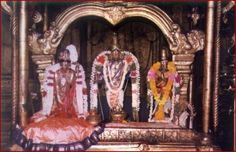 The Great Alvar | Sri Andal & Her father, Sri Perialvar standing on either side of the Lord in Srivilliputhur.