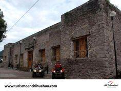 """Dentro de los 67 Municipios que conforman el Estado de Chihuahua, se encuentra Guadalupe y Calvo en el extremo sur del estado colindando con Durango. El origen de su nombre en honor a la Virgen de Guadalupe y del entonces gobernador  José Joaquín Calvo. En este Municipio estuvo en operación de 1843 a 1852 una """"Casa de Moneda"""". Hace unos años, el inmueble fue declarado Patrimonio Histórico de la Nación y es actualmente la Casa de la Cultura. www.turismoenchihuahua.com"""