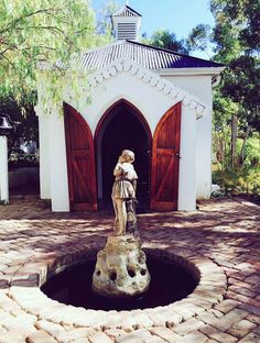 The old chapel at the hotel in Maatjiesfontein At The Hotel, Places To Visit, Old Things, Statue, Sculptures, Sculpture