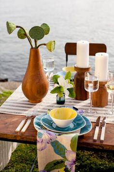 Retro Tropical Décor - love the shapes and colors