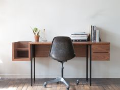Tights Study Desk - Playmountain