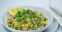 This tasty couscous salad is a colourful addition to the dinner table. Healthy Eating Recipes, Vegetarian Recipes, Cooking Recipes, Christmas Salad Recipes, Mediterranean Quinoa Salad, Couscous Salad, Christmas Cooking, Summer Salads, Dinner Table