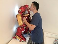 3ft tall 1/4 scale Hulkbuster phone charger/ statue by King Arts - YouTube