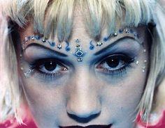 Gwen Stefani's 90s grunge look