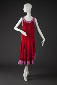 Dress Tomato Red and Lavender Silk Satin Dess, Rounded Neck… 20s Fashion, Fashion History, Art Deco Fashion, Retro Fashion, Vintage Fashion, Victorian Fashion, Antique Clothing, Historical Clothing, Historical Dress