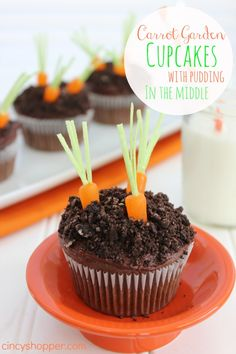 Easter Cupcakes Carrot Garden with pudding in the middle. So easy and so perfect for Easter.