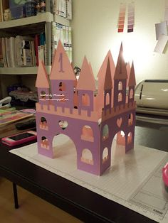 Castle Centerpiece- obviously not pink & purple... centerpiece for B??