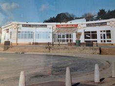 The old Corner Cafe. Robin Hoods Bay, Corner Cafe, North Yorkshire, Vintage Postcards, East Coast, Old Houses, Childhood Memories, England, Driveway Gate