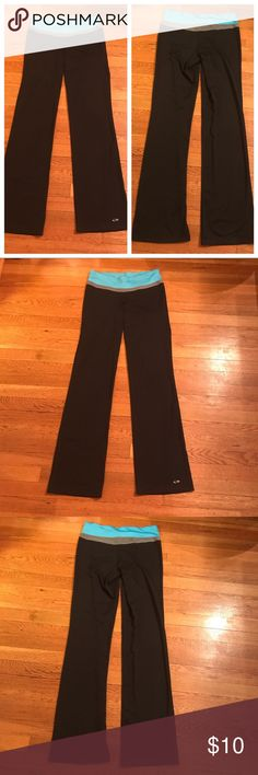 Champion Colorblock Yoga Pants Super cute wide leg yoga pants by champion. In like new condition besides minor cracking in the champion logo. Inseam measures 33 inch so perfect for tall gals!! Champion Pants Track Pants & Joggers