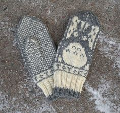 Totoro mitten for Pekka Mittens Pattern, Knit Mittens, Knitted Gloves, Knitting Socks, Baby Knitting, Free Knitting, Totoro, Yarn Projects, Knitting Projects