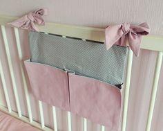 Range-doudou / Range-pyjama / Range-tétine / Organiseur de lit / Organisateur de lit / Gris Rose Poudre : Chambre d'enfant, de bébé par line-et-lou