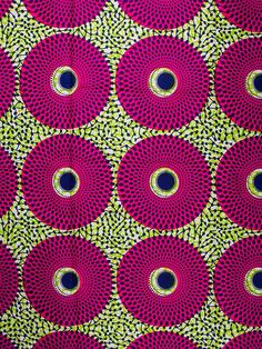 African print red green by Shirley J. Motifs Textiles, Textile Prints, Textile Patterns, Print Patterns, Style Patterns, Textile Design, African Textiles, African Fabric, African Design