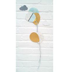 """Décoration chambre de petits """"envolée de ballons"""" jaune moutarde, décoration scandinave, décoration intérieure, chambre bébé- enfant, guirlande : Décoration pour enfants par bulles-de-popeline"""