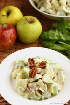 Ensalada de manzana Waldorf. Receta para Navidad | Cocina Muy Fácil | http://cocinamuyfacil.com