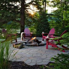 Eight backyard makeovers from diy networks yard crashers back yard fire pit solutioingenieria Images