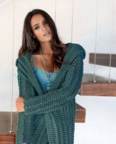 b96d1cc9770c Короткое пальто вязание спицами Hand Knitted Sweaters