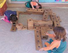 nens a escola i materials - Cerca amb Google