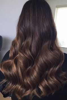 60 Chocolate Brown Hair Color Ideas for Brunettes - Haar Ideen Brown Hair Shades, Light Brown Hair, Light Hair, Brown Hair Colors, Chocolate Brown Hair Color, Chocolate Hair, Bronde Hair, Balayage Hair, Subtle Balayage