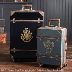 Bring the magic of Hogwarts into your room with Pottery Barn Teen's Harry Potter bedding, and home decor. Shop the Harry Potter Collection for bedding, decor, room accessories and more. Sac Harry Potter, Harry Potter Laden, Fantasia Harry Potter, Cadeau Harry Potter, Objet Harry Potter, Anniversaire Harry Potter, Harry Potter Cosplay, Harry Potter Merchandise, Harry Potter Outfits