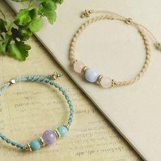 ねじり結びでつくる、天然石ブレスレット Macrame Jewelry, Macrame Bracelets, Diy Jewelry, Jewelry Accessories, Jewelry Making, 7 Pointed Star, Bracelet Crafts, Micro Macrame, Turquoise Bracelet