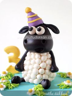 TIMMY THE SHEEP PASTASI Shaun The Sheep Cake, Pioneer School Gifts, Timmy Time, Frog Cakes, Jw Gifts, Farm Party, Cake Tutorial, Marzipan, Clay Crafts