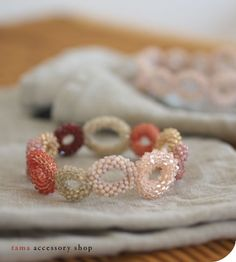 TCB102 Diy Fabric Jewellery, Beaded Jewelry Patterns, Diy Jewelry, Jewelry Making, Bead Embroidery Tutorial, Beaded Embroidery, Earrings Handmade, Handmade Jewelry, Bead Crochet