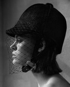 Vogue-Japan-December-2017-Cara-Taylor-by-Camilla-Akrans-1-3.jpg