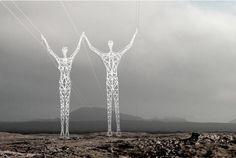 En Islande, les lignes haute tension sont des géants | The Creators Project
