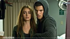 abduction lily collins  | Abduction – Taylor Lautner & Lily Collins In A Room Wallpaper