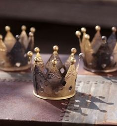 crown votive