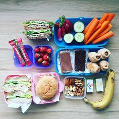 Få inspiration og fif til madpakken når dine børn skal i børnehave/sfo/skole! Masser af nemme og sunde opskrifter og billeder her! Healthy Pasta Salad, Healthy Pastas, Healthy Chicken Recipes, Food To Go, Good Food, Food And Drink, Kids Picnic, Picnic Ideas, Lunch Ideas