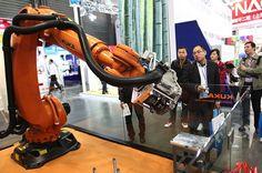 Una fábrica china reemplazará 600 humanos por 60 robots