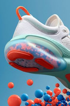 Industrial Design Trends and Inspiration - leManoosh Sneakers Fashion, Fashion Shoes, Mens Fashion, Nike Shoes, Shoes Sneakers, Sneakers Design, Shoe Poster, Shoe Sketches, Modelos 3d