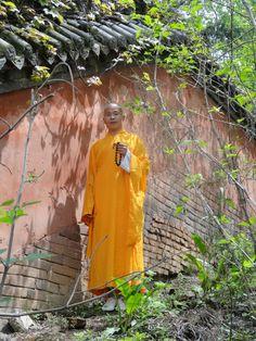 Shifu Shi Yan Jun in Shaolin Temple. You, yousefl must strive. The Buddhas only point the way. www.kungfushaolins.com