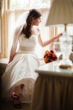 mimi http://moderntrousseau.com/our-brides/our-brides-h-m/?nggpage=2