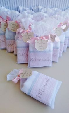 Contact us - bonjour baby baskets - luxury baby gifts - myki Baby Shower Cookies, Baby Shower Favors, Baby Shower Parties, Baby Boy Shower, Baby Shawer, Baby Baskets, Baby Decor, Baby Sewing, Party Favors