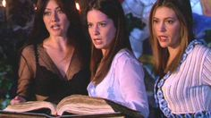 Charmed: Holly Marie Combs Bewitches Wizard World Chicago Phoebe Charmed, Serie Charmed, Charmed Sisters, Charmed Tv Show, Holly Marie Combs, Lord Voldemort, Rose Mcgowan, Alyssa Milano, The Cw