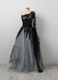 Indulge yourself with this extravagant dessert. Add black pepper and tea leaves and whisk some sugar and tulle. Stir together and serve it while attending a reading of Edgar Allan Poe's poetry. Black Wedding Gowns, Gothic Wedding, Ball Gowns, Frocks, Edgy Dress, Dark Princess, Evening Dresses, Prom Dresses, Formal Dresses