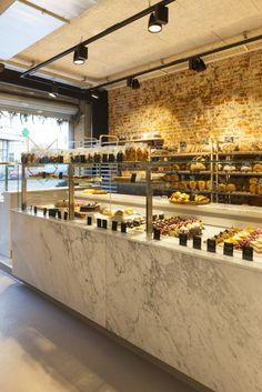 Pizzeria Design, Bakery Shop Design, Shop Interior Design, Restaurant Design, Bakery Identity, Bread Shop, Cake Shop, Bakeries, Shop Lighting