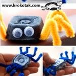 Colorful Spiders from Egg Cartons - Kids Craft Egg Carton Art, Egg Carton Crafts, Egg Cartons, Theme Halloween, Halloween Crafts For Kids, Holiday Crafts, Bug Crafts, Crafts To Do, Diy Paper Christmas Tree