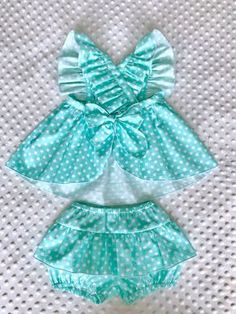 Best 11 Emilse sofía s 156 media analytics – Artofit – Page 324048135687282566 – SkillOfKing. Baby Dress Design, Baby Girl Dress Patterns, Little Girl Dresses, Girls Dresses, Baby Dresses, Cute Baby Clothes, Doll Clothes, Kids Outfits, Baby Outfits