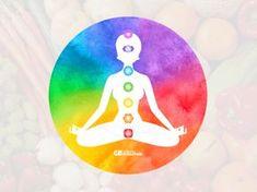 """Je fysieke gesteldheid kan je chakra's beïnvloeden en je chakra's kunnen je fysieke realiteit beïnvloeden: de samenwerking moet harmonieus zijn. Dit betekent dat voedsel direct de werking van je chakra's kan beïnvloeden, op gelijke wijze zoals je verlangen en je voedselkeuze de gezondheid van je chakra-systeem weerspiegelt. Je hebt misschien wel eens gehoord van de uitspraken """"de regenboog eten"""" en """"hoe donkerder de kleur van je voedsel, hoe beter het voor je is?"""" Daarin schuilt beslist een…"""