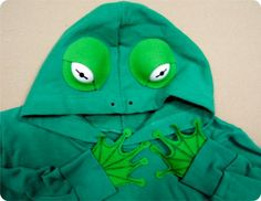 Could make a frog hoodie and pair with Mario costume to make frog Mario or do a raccoon version? Holiday Costumes, Easy Halloween Costumes, Homemade Halloween, Halloween Kostüm, Holidays Halloween, Diy Costumes, Costume Ideas, Squirrel Costume, Frog Costume