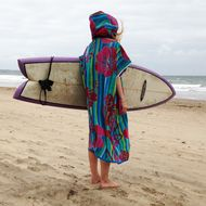Cover-up Surf changing poncho towel, perfect for changing after surfing or a day on the beach! Easy and warm to get changed under, with a large cosy hood... the perfect gift for surfers! They are hand-made from beach towels in my studio that looks out ...