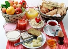 Foods to Eat - Start your day off right The next time you rush out the door in the morning without something to eat, consider this: Skipping breakfast can. Breakfast Options, Eat Breakfast, Healthy Breakfast Recipes, Healthy Recipes, Perfect Breakfast, Morning Breakfast, Healthy Breakfasts, Healthy Foods, Easy Recipes