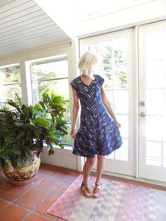Vintage Poly Knit Striped Dress Handmade V-Neck Cap Sleeves Back Zip A-Line Skirt Elastic Waist Dropped Shoulders 1970s