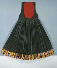 Σκυρος Greek Traditional Dress, Skiathos, Winter's Tale, Frocks, Greek Costumes, Greece, Summer Dresses, Folklore, Athens